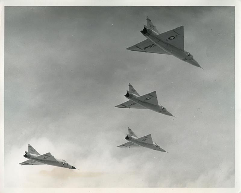 F-102A_Flt_4