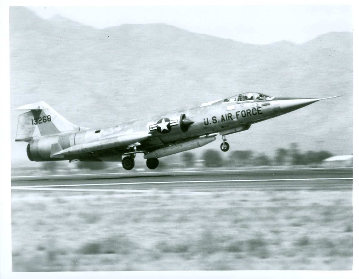 Vintage us air force aircraft photos us air force north american f 100c 1 super sabre ac 31733 publicscrutiny Images