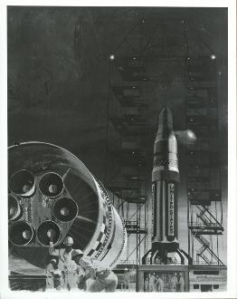 EP-336 WERNHER VON BRAUN STANDS IN FRONT OF ARMY MISSILES 8X10 NASA PHOTO